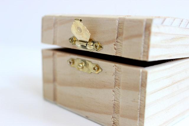 dřevěná bedna.jpg